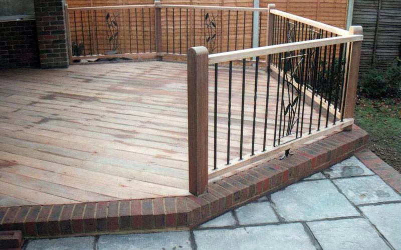Decking materials decking materials kent for Non wood decking material